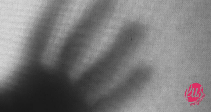Mano scura ombre