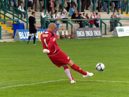Bury FC goalkeeper Wayne Brown takes a goal kick during the Northwich Victoria vs. Bury pre-season friendly at The Marston?s Arena, home of Northwich Victoria FC. Saturday 2nd August 2008